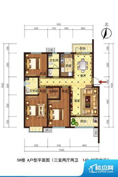 各个空间都很方正,方便后期家具的摆放。全明户型,每一个空间都带有窗户,保证后期居住时能够充分采光和透气;通透户型,保证空气能够流通起来,空气质量较好;采光较好,保证居住舒适度。卫生间朝向客厅私密性较差,卫生间朝向餐厅产生的气味及细菌对餐厅影响较大,卫生间朝向卧室,产生的气味对卧室有影响。卧室作为较为重要的休息空间,尺寸合适,有利于主人更好的休息;客厅作为重要的会客空间,尺寸合适,能够保证主人会客需