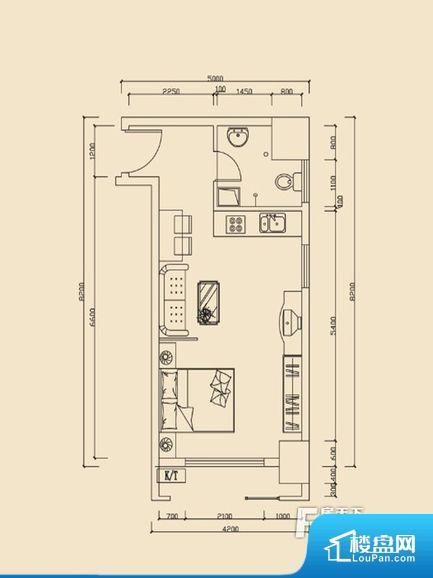 整个空间方正,拐角少,后期利用难度低,提升整个空间的利用率。整个空间采光很好,主卧和客厅均能够保证很好的采光;并且能真正做到全明通透,整个空间空气好。卫生间门朝向人较多的区域,导致区域空气不好,舒适度差。厨房门对着客厅会有油烟方面的困扰,不过通风好也可以忽略。卫生间空间狭小,洗衣服洗澡空间上比较局促,影响居住的舒适度。厨房面积小,做饭会比较拥挤,设施的摆放也是个问题。公摊高于15%且低于25%,整
