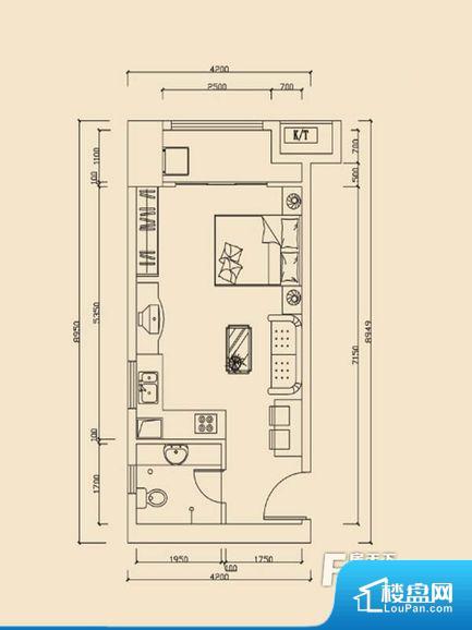 各个空间方正,后期空间利用率高。整个空间采光很好,主卧和客厅均能够保证很好的采光;并且能真正做到全明通透,整个空间空气好。卫生间对餐厅是不太卫生,而且又会有细菌。对着客厅也不太好,有种不太礼貌的感觉。如此感觉户型设计上有硬伤。厨房门朝向,做饭产生油烟和噪音对客厅有影响。卫生间使用感低,会对主人心情有影响。厨房面积小,做饭会比较拥挤,设施的摆放也是个问题。公摊相对合理,一般房子公摊基本都在此范畴。日