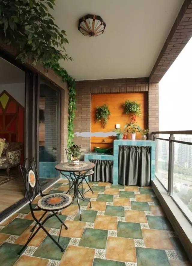 成都隔断:阳台与客厅要不要做隔断?