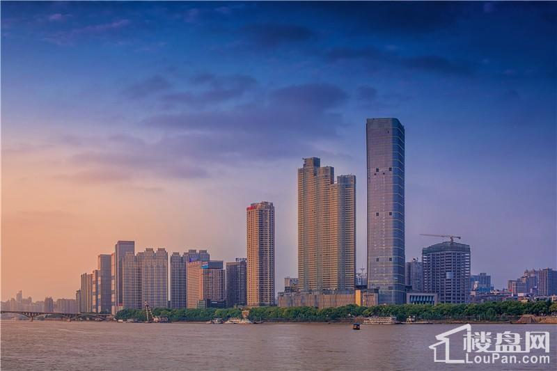 华远华中心实景图