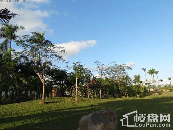 香格里温泉小镇实景图
