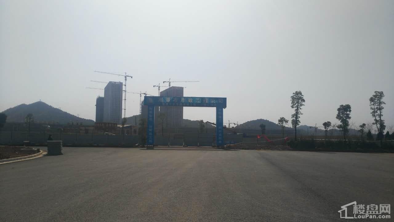 岳塘商贸城实景图