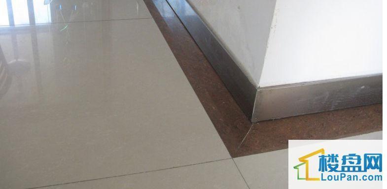 瓷砖踢脚线怎么贴?