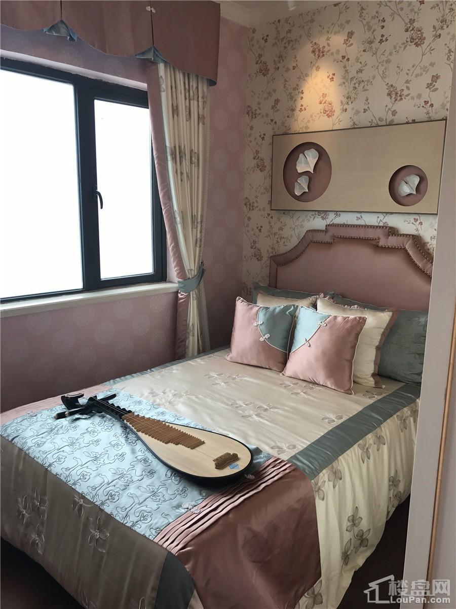 恒大城华庭2#楼89㎡户型卧室板间