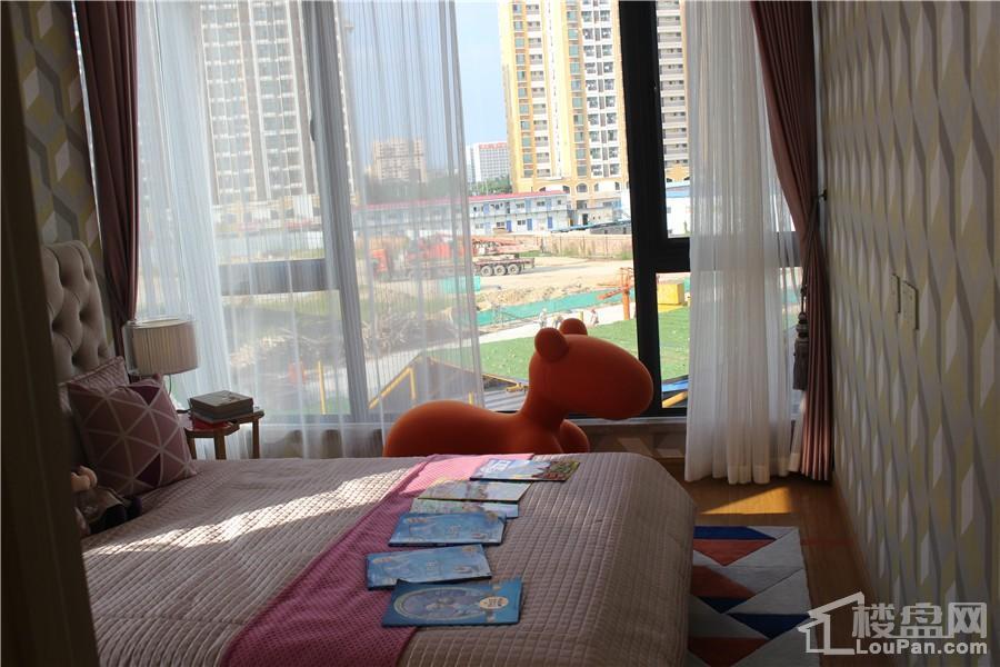 中昂国汇112㎡(建面)卧室