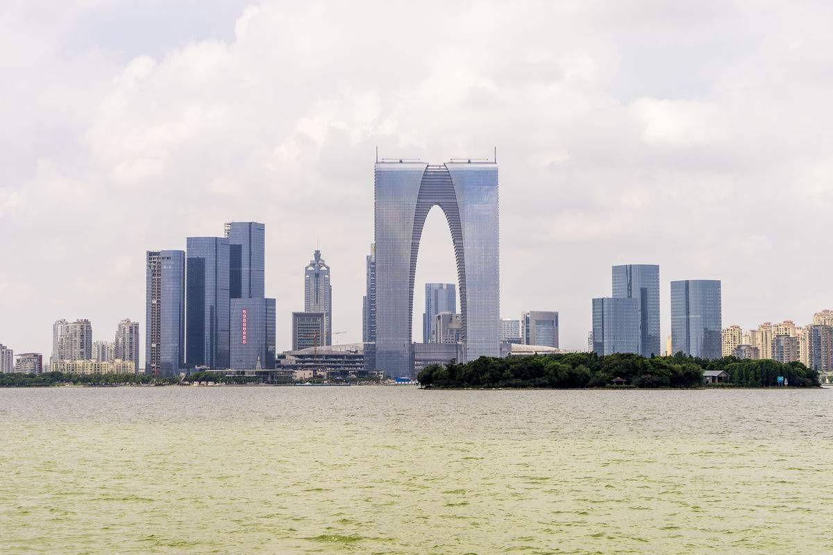 东方之门实景图
