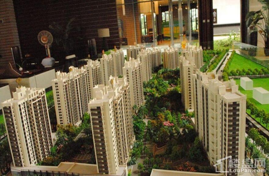 海南绿地城七期实景图