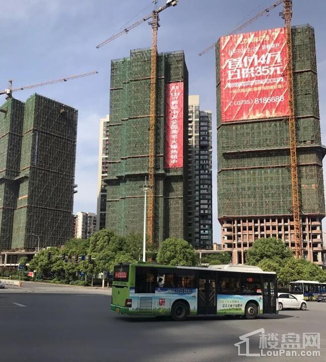 亿力国际广场4月工程实景