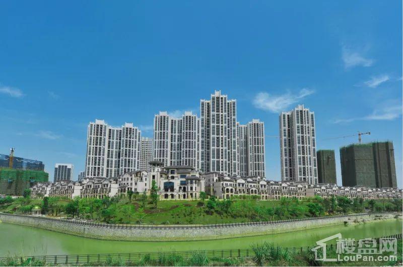 广投·龙象城实景图