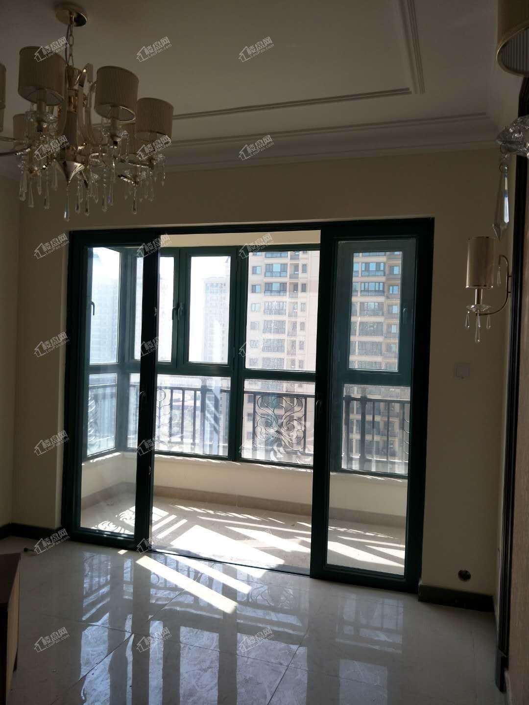 采光好 环境优美 恒大山水城精装修三室出售 随时看房