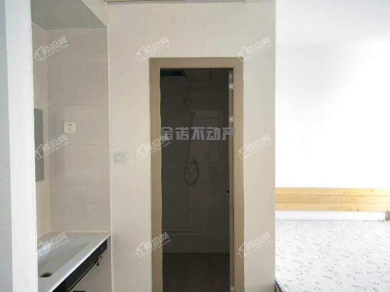 万达广场对面 壹品世家26楼精装修适合投资的好房子仅售25万