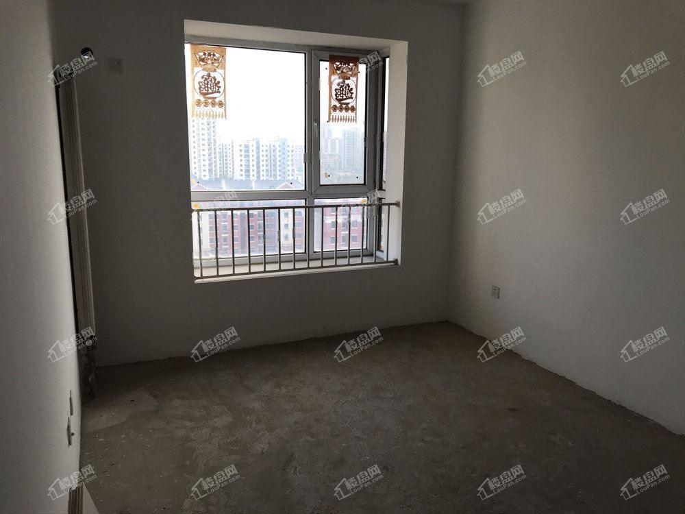 海旋园   高档小区  大两室  总价超低