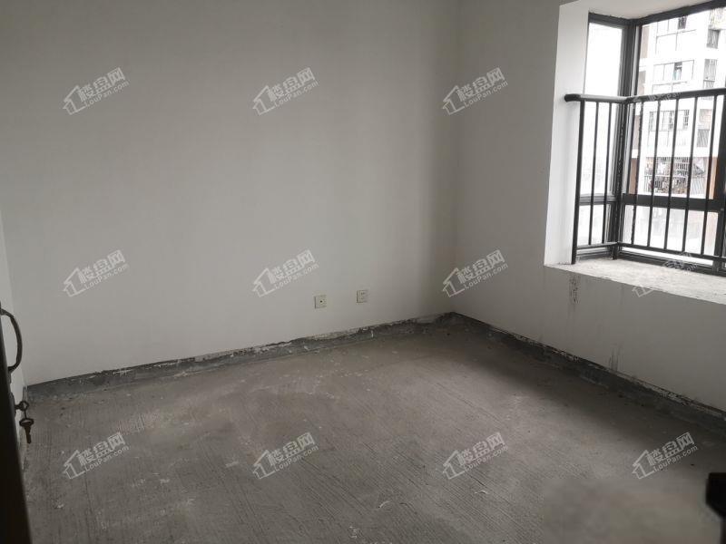 划片湖滨小十八中 后县新苑 2012年高层电梯视野好停车方便