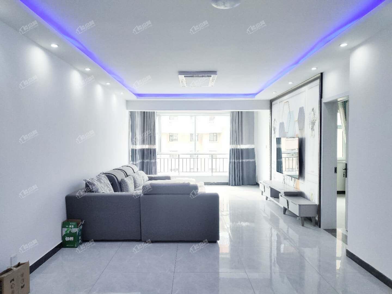 和平嘉园精装139平 中间楼层 南北通透 家具齐全