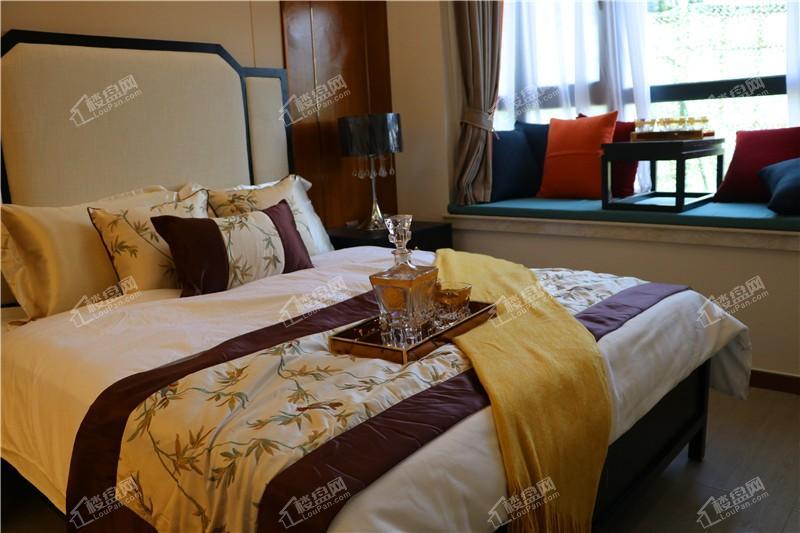 北海中港城样板间卧室