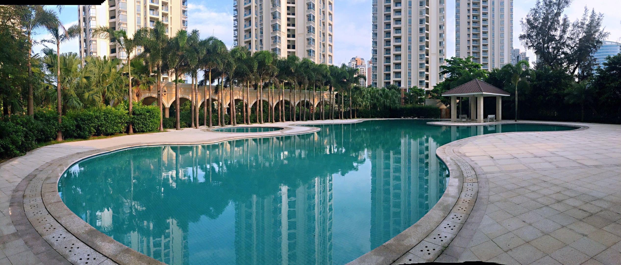 海逸豪园小区配套-泳池