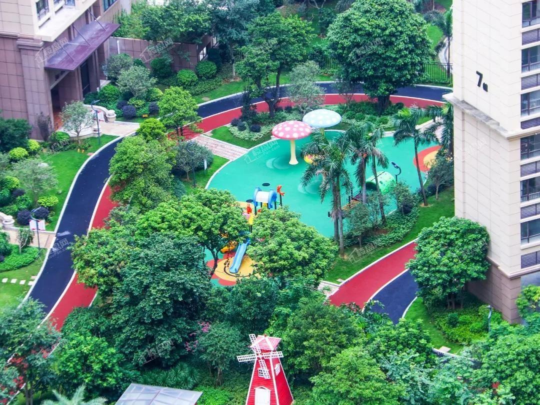 天赐良园小区儿童乐园