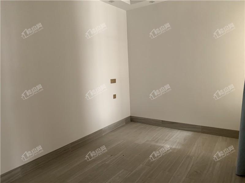贵玉苑卧室实景图