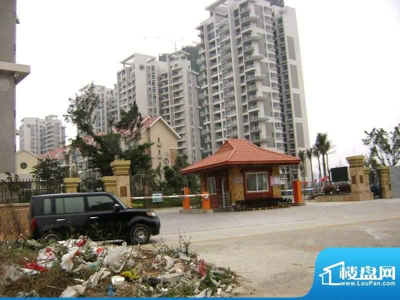 银滩万泉城小区沿南京路门口实景201101