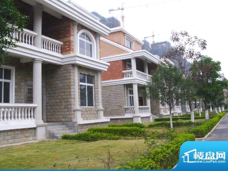 白金瀚宫小区别墅实景20110112