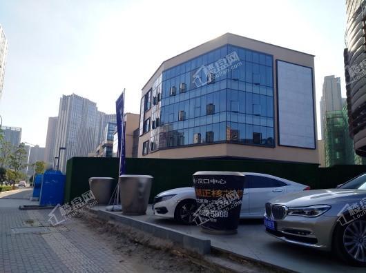 绿地汉口中心写字楼实景图