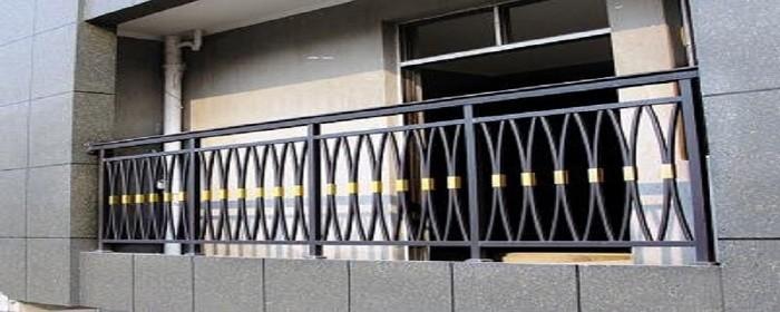 阳台铁栏杆锈烂了如何修补