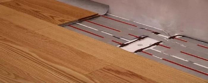 选择地暖地板的要求
