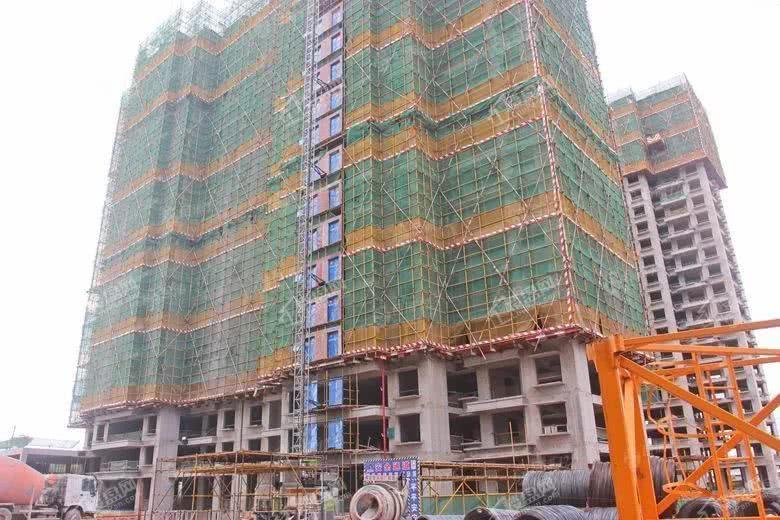 合浦城东百亩项目港鹏·龙湖湾一期多栋住宅即将封顶,大盘雄姿初现_北海楼盘网
