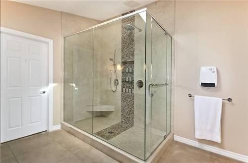 厕所用玻璃做隔断好不好