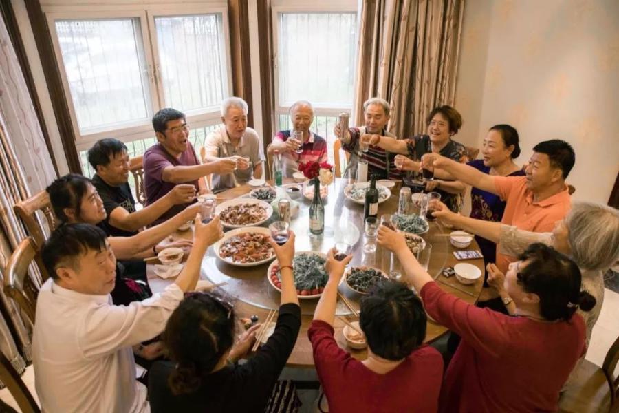 14位老友共租房,抱团养老成流行,理想养老圣地还得看北海!_北海楼盘网