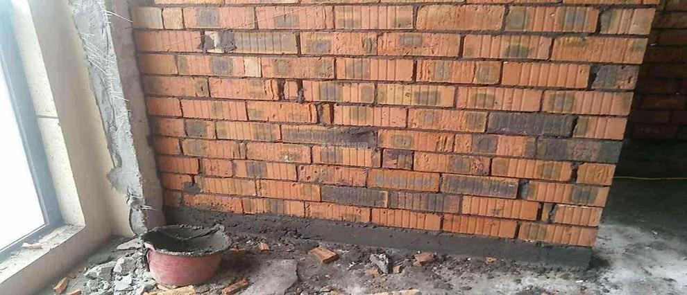 砌墙怎么保持墙的垂直和水平