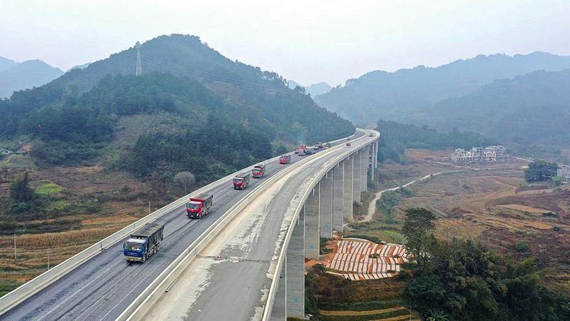 广西加快推进77项高速公路开工续建项目建设