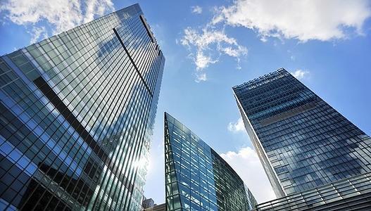第四季度房地产融资持续收紧 中小房企破产数量增多