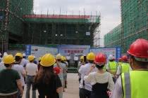 广元白龙坪雾棚户区改造项目一期限价商品房主体结构封顶
