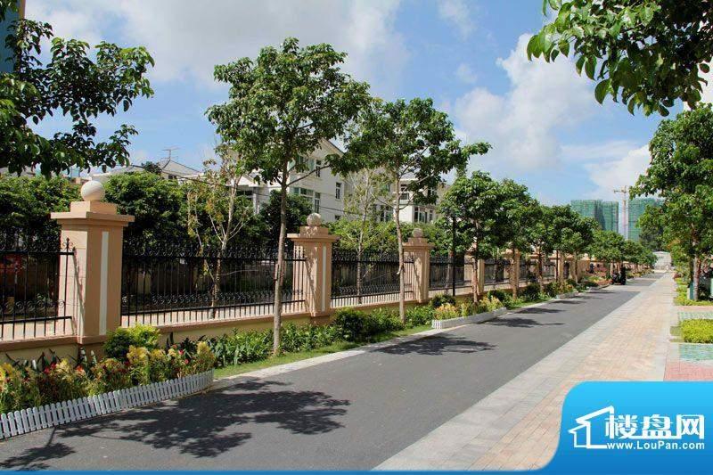 华杰·赫尔馨居项目园林实景图20120117