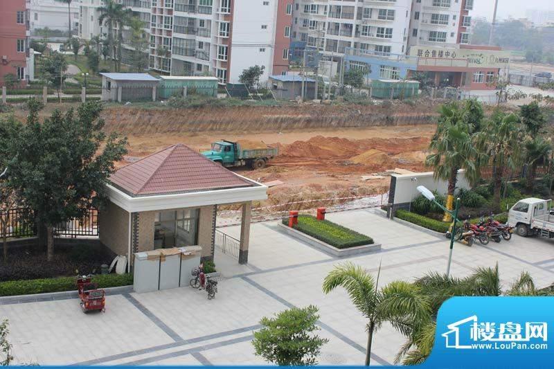 怡康春城小区沿南京路大门实景20120228