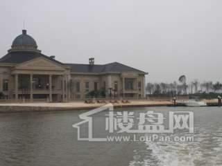 世茂龙湾商业实景图