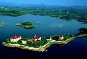 欧瑞湖滨假日大酒店
